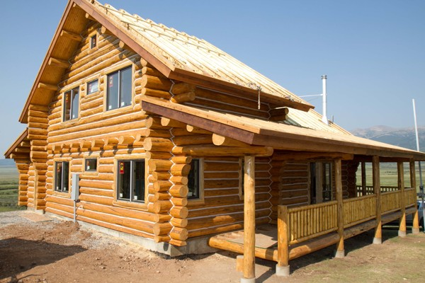 Log home chinking service 970 368 2308 for Chinking log cabin